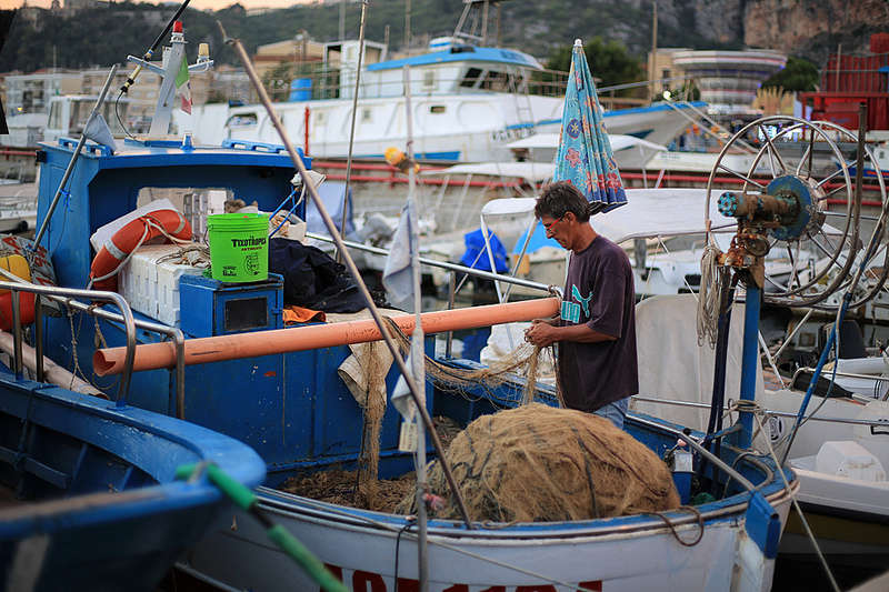 Fondo europeo per gli affari marittimi e la pesca (FEAMP): Bando per le PMI del settore dell'Economia Blu