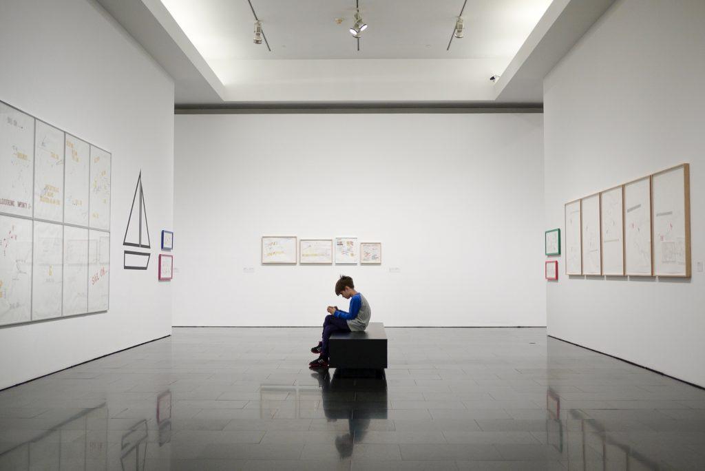 Contributi per mostre d'arte contemporanea